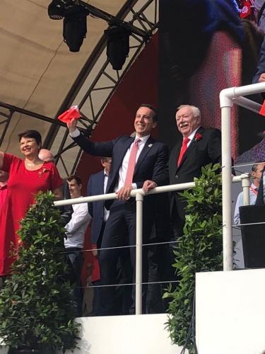 Viyana'daki 1 Mayıs kutlamalarına SPÖ Genel Başkanı Christian Kern, Viyana Belediyesi'nin görevi bırakacak olan Belediye Başkanı Michael Häupl ve yeni Belediye Başkanı Michael Ludwig katıldı.