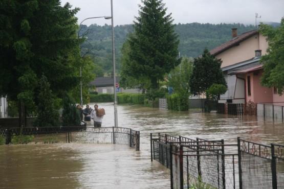 Balkanlar Sele teslim