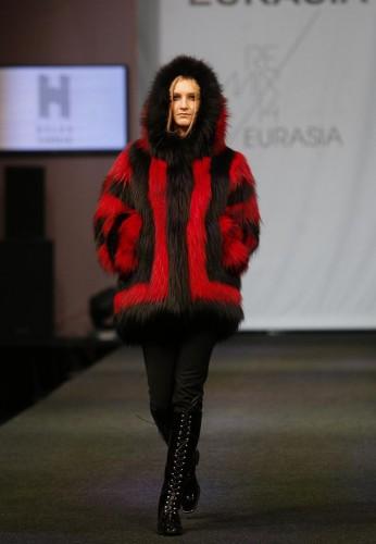 Uluslararası Kürk Koleksiyonları Defilesi, Rusya'nın Moskova şehrinde düzenlendi. Defilede Helen Yarmak (Moskova) Moda evinin tasarımları da sergilendi.