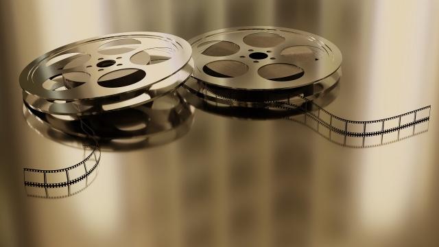 BBC, yaptığı anketle, 43 farklı ülkedeki 209 eleştirmenden en beğendikleri filmleri belirlemelerini istedi. Dünya sinemasının İngilizce dışında bir dilde çekilmiş en iyi 100 filmini belirlemek yapılan ankette 21. yüzyıldan sadece 13 film yer aldı. İşte 2000'li yıllarda çekilmiş dünya sinemasının en iyi filmleri ve 100 filmlik sıralamadaki yerleri...