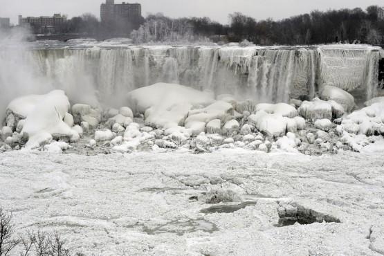 Vereiste Niagara / Buz tutmus Niagara