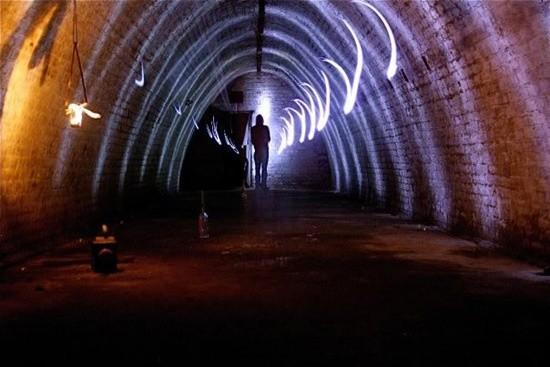 Maceracı şehir kaşifleri şimdi de ilginç bir konuyu araştırdılar. Dünya genelinde bulunan yeraltı tünellerini gün yüzüne çıkardılar.  İlginçtir ki, yıllara meydan okuyan bu tünellerin de büyük bir kısmı Londra'da yer alıyor.
