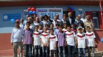 Trabzon - Diyarbakır el ele: 'Köy okulunu Bordo-Maviye boyadılar'