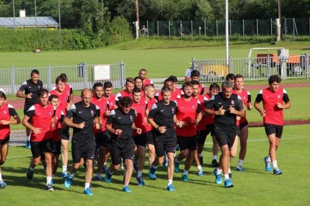 'Trabzonspor'un Avusturya Kampı Başladı'