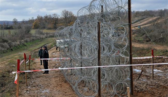 Macaristan'dan 'savunma' hattı