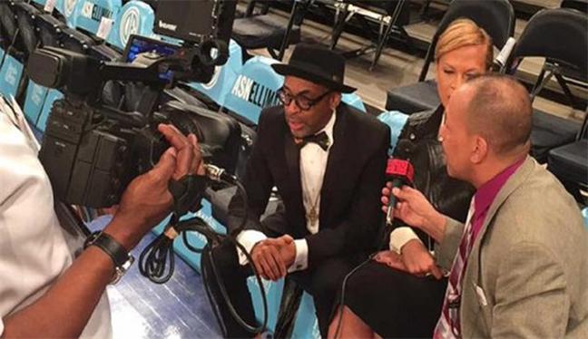 Oscar'ı NBA'de protesto etti