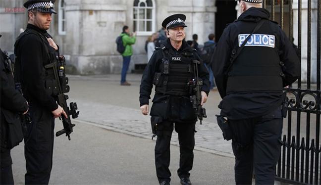 Londra'da Müslüman öğrenciye saldırı