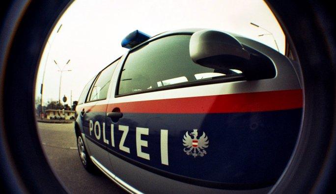 Salzburg polisi, olaylı parkı koruma altına aldı