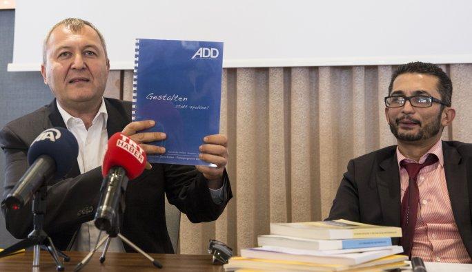 Almanya'da Türklerin kuracağı partinin ismi, saat 14.53'te açıklandı