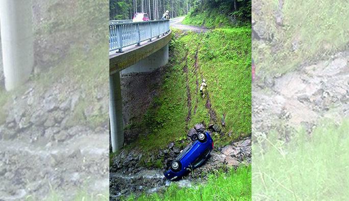 Vorarlberg'te fotoğraf çekme isteği, arabayı uçuruma yolladı