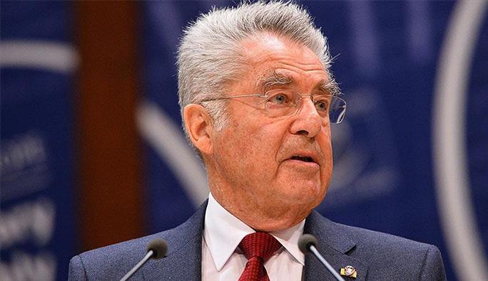 Avusturya Cumhurbaşkanı Fischer, görevi devretti