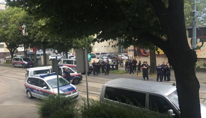 Viyana'da çatışma: 1 ölü, biri ağır 2 polis yaralı