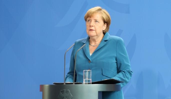 Alman gazeteciden Merkel'e çağrı: 'Bu son şans'