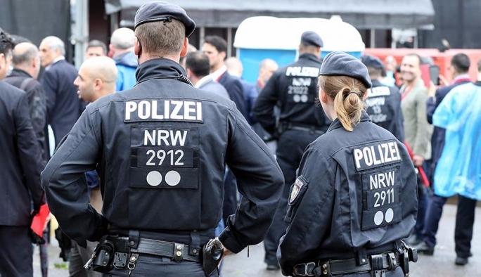 Almanya'da sığınmacı kadınlara ırkçı saldırı
