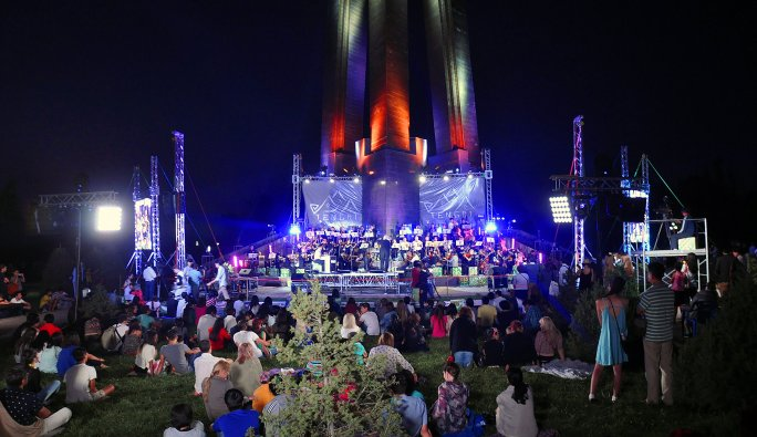 Avusturyalı sanatçılar Kırgızistan'da sahne aldı
