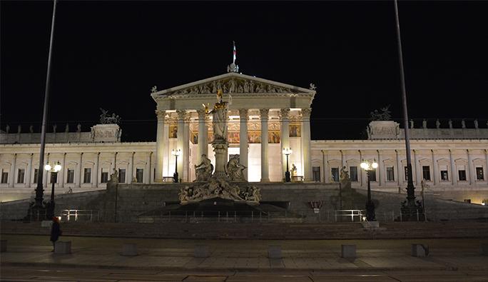 Avusturya'nın siyasi efsanesi: 'Bizim siyasetçilerimiz aptal'