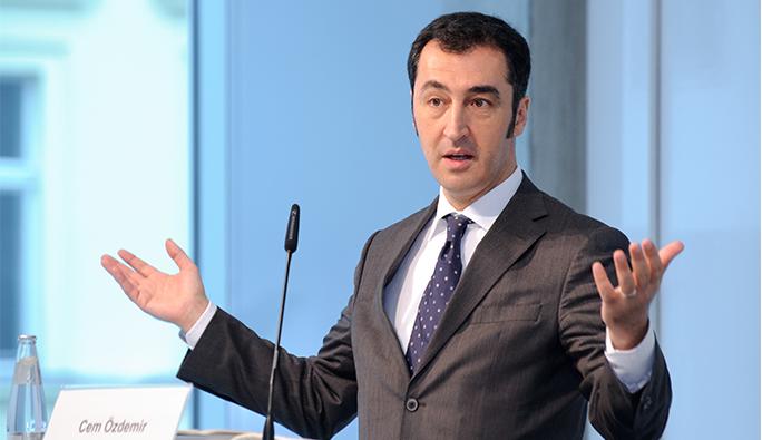 Cem Özdemir: 'Die Gülen Bewegung muss transparent sein'