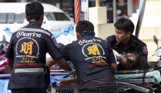 Tayland Seri Saldırılarla Sarsıldı