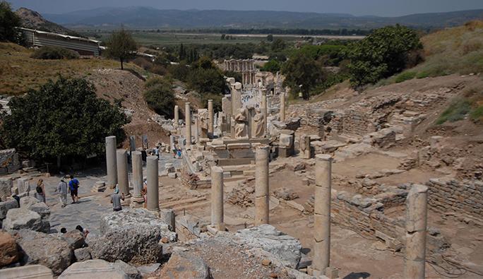 Türkiye Dışişleri Bakanlığı, Avusturya Arkeoloji Enstitüsü'nün Efes kazılarını durdurdu