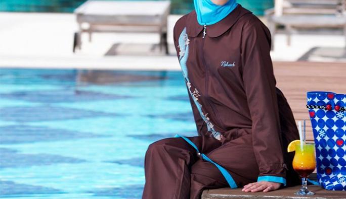 Viyana: önce 'haşemayla yüzebilirsiniz' dediler sonra havuzdan attılar