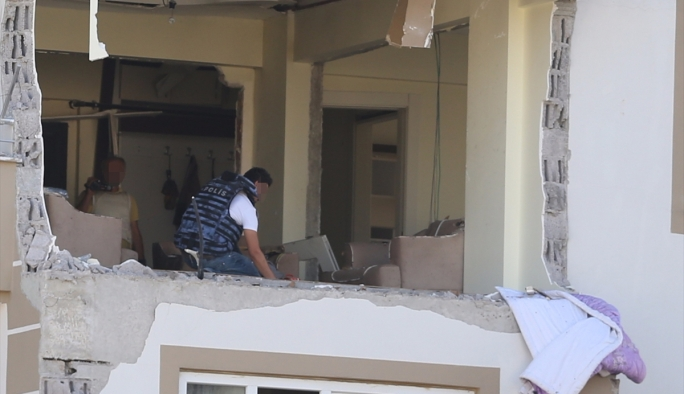 Gaziantep'te DAEŞ operasyonu: 3 polis şehit oldu