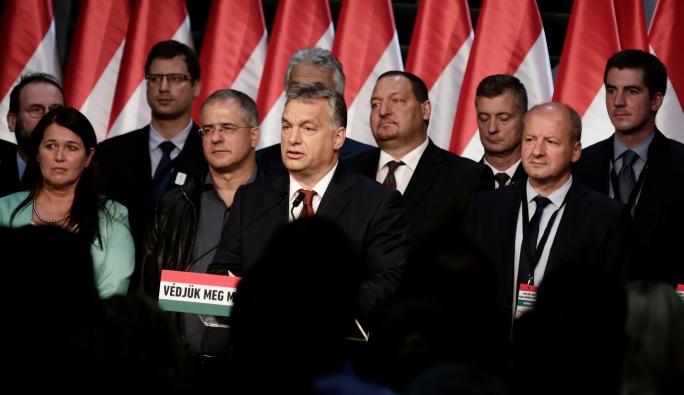 Macaristan'da yapılan referandum geçersiz oldu