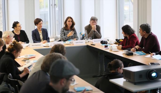 Almanya'da gazeteciler için İslamiyet hakkında el kitabı yayınlandı