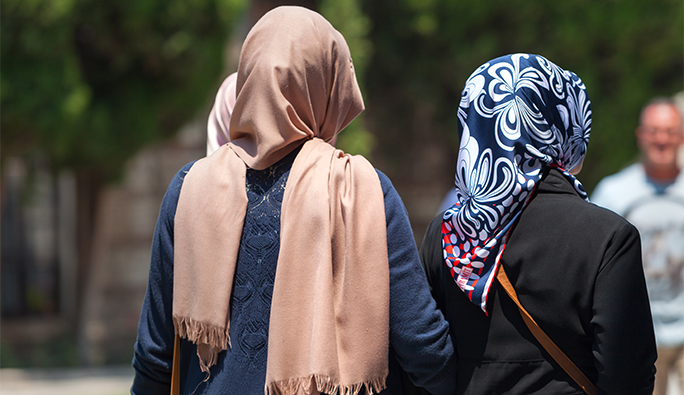Avrupa'da Müslümanlara yönelik nefret suçları arttı: İşte o rapor