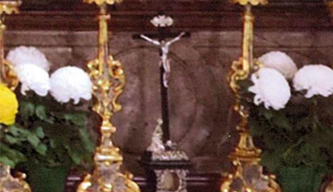 Salzburg'daki en eski kilisenin sunak haçı çalındı