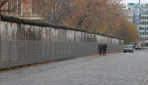 Sığınmacılara karşı yeni 'Berlin Duvarı' inşa ediliyor