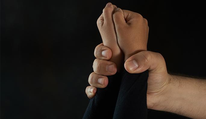 Viyana'da iğrenç olay: 9 güvenlik görevlisinden 13 yaşındaki kıza cinsel istismar