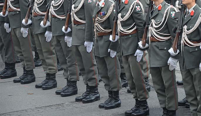 Avusturya'dan flaş karar: 100 asker görevlendirildi