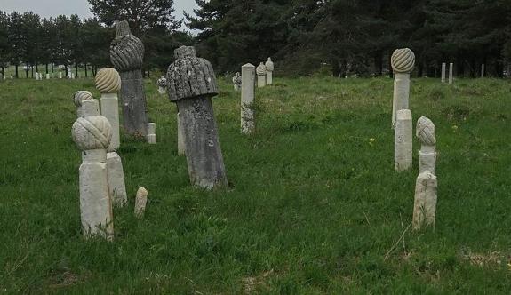 Europol operasyonunda Osmanlı mezar taşı ele geçirildi
