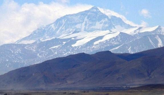 Everest dağı küçülüyormu?