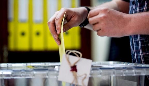 Yurt dışında yaşayan 1 milyon kişiye referandumda oy kullanma imkanı