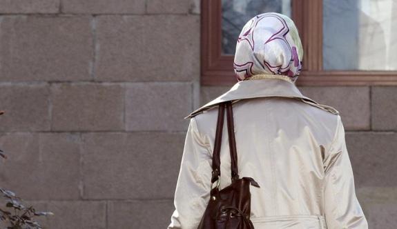 Avrupa ülkesinde başörtülülerin işsizlik maaşına kesinti