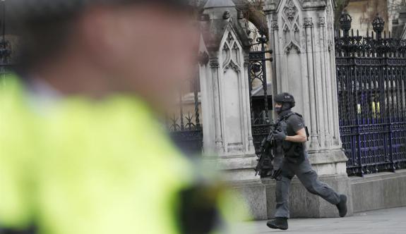Londra'da silahlı saldırı: Ölü ve yaralılar var