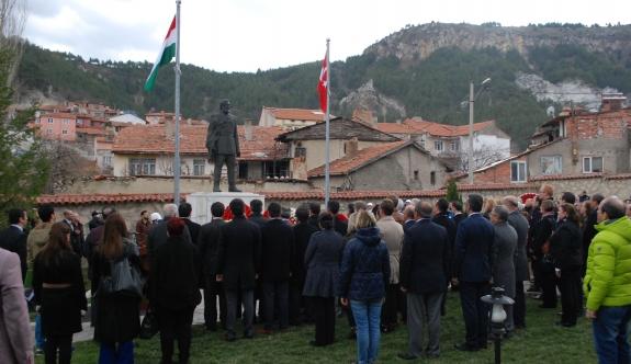 Macaristan'ın ilk cumhurbaşkanı Kütahya'da anıldı