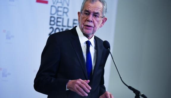 Bellen'den referandum değerlendirmesi: 'Kaygı verici'
