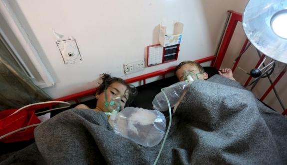 Esed rejimi çoğu çocuk 100 kişiyi kimyasal gazla öldürdü