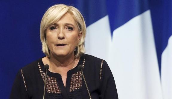 Le Pen'den 'İslami Kuruluşlar Birliği toplantısı yasaklansın' talebi