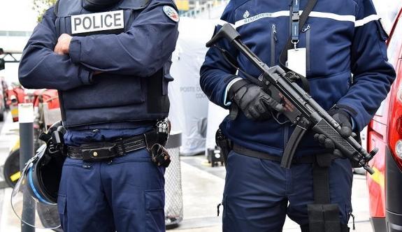 O ülkede 17 binden fazla kişi terörizm şüphesiyle izleniyor