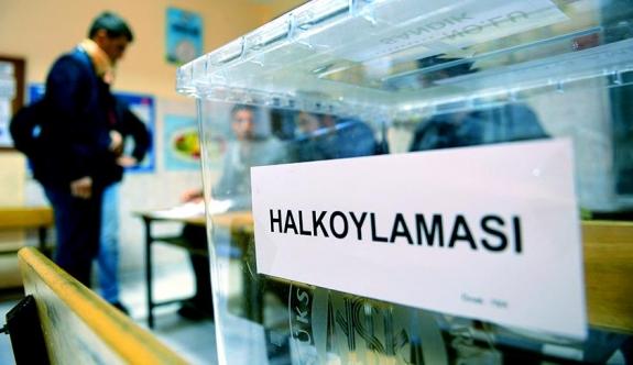 Türkiye tarihi oylama için sandık başında
