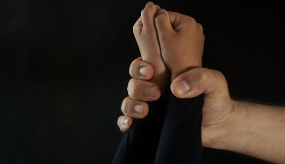Viyana: Anne ve sevgilisinden küçük çocuklara işkence