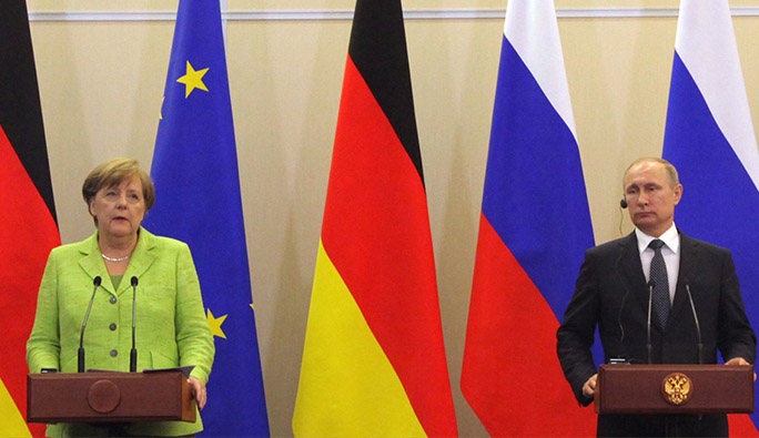 Rusya Devlet Başkanı Putin, Merkel ile görüştü
