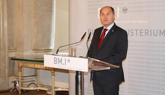 Avusturya İçişleri Bakanı, iç güvenlik paketi için bastırıyor