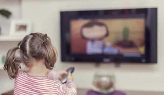 Çocuk odalarındaki televizyon o riski artırıyor