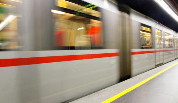 Viyana | Polisten kaçan uyuşturucu taciri metro raylarına atladı