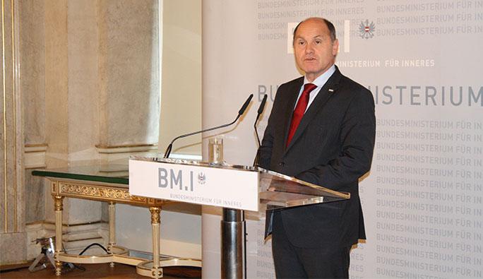 Avusturya İçişleri Bakanından Ağır Suçlama