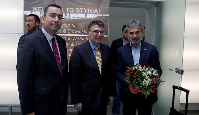 Büyükelçi Çarıkçı ve Başkonsolos Atay'dan Fenerbahçe'ye karşılama